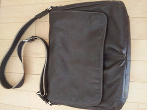 COACH- Leather laptop messenger/shoulder bag