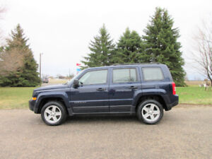 2015 Jeep Patriot Sport 4x4 w/ Just 77K!!  ONE OWNER SINCE NEW!!