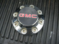 GMC Chrome 2500, 3500 8 Bolt Center Cap