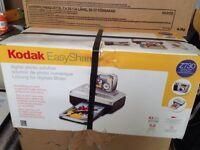 Kodak EasyShare Z730 (5 Mega Pixel Digital Camera and Printer)
