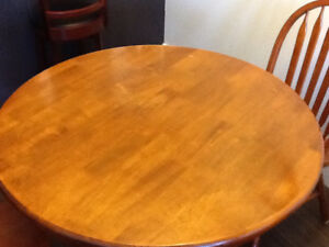 Pedestal kitchen table with 2 chairs