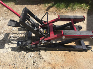 MotoMaster 1500lb motorcycle/ATV lift $125 or trade