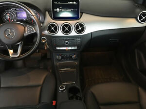 2015 MERCEDES BENZ B250 4MATIC LOW KMS w/WINTER TIRES