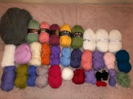 Joblot bundle yarn/wool offers are welcome