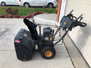 27'' Poulan Pro 208 cc Snowblower GOOD CONDITION!!