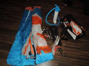 Kite Fone 8M  2015 complet avec sac, barre, pompe et leash.