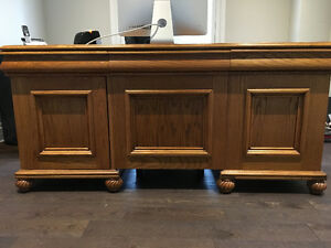 Solid Oak Desk Oakville / Halton Region Toronto (GTA) image 1