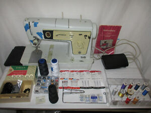 Singer Stylist Zig Zag Sewing Machine Model 478 and accessories