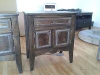 Tables de chevet (2) en bois teint