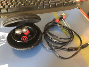 Beats/HTC in-ear earbuds with mic and line control