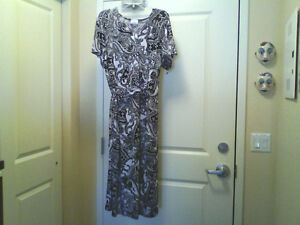 Lovely, comfortable dress size 2x:Coordinating shoes-$15.00 each