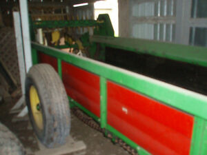 New Idea Manure Spreader Peterborough Peterborough Area image 1