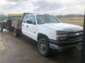 2006 Chevrolet 3500 dually diesel with trailer