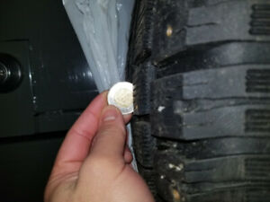 NISSAN PATHFINDER 2004  SE WINTER TIRES