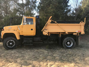 1992 Ford Salt truck with plow and dump