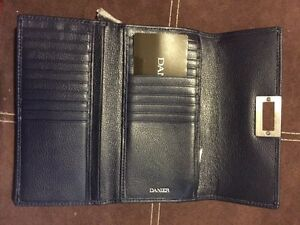 BRAND NEW DANIER Leather Wallet in Navy Kitchener / Waterloo Kitchener Area image 2