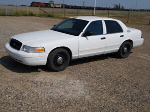 2006 Crown Victoria P71 only 24,000 kms. Beautiful Shape.