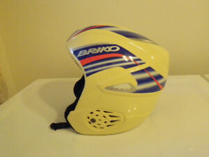 Briko Adult Ski / Snowboard Safety Helmet Size Large to X-Large