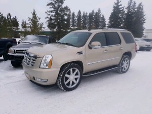 2008 Cadillac Escalade.  6.2 V8 AWD  $14,900. Gorgeous .
