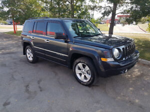 2014 Jeep Patriot,4x4,auto, loaded, only 40,000 km.,remote start