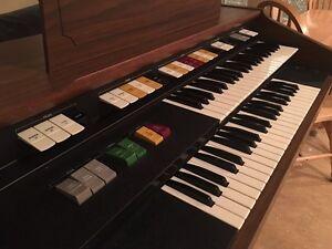 Hammond Electric Organ St. John's Newfoundland image 2