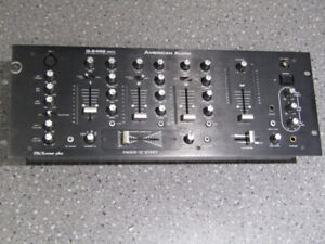 "American audio q-2422 mk2 dj mixer 19"" rack mountable"