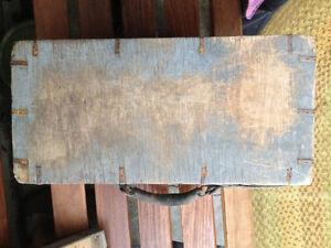 Antique wooden carrying case Regina Regina Area image 4