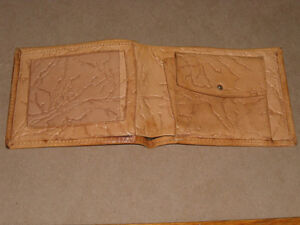 Very old authentic Egyptian Wallet w/ Hieroglyphic design West Island Greater Montréal image 4
