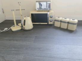 Full kitchen set