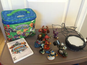 Skylanders, game and carry case