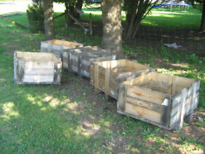 Solid wood crates, 1 with a lid, 4 without lids - DIY ready