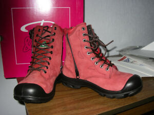 BRAND NEW LADIES RED STEEL TOED BOOTS SIZE 7.5