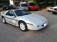 1984 Pontiac Fiero INDY - Limited Edition Pace Car Replica