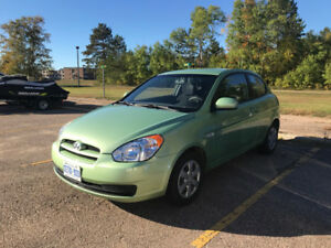 2010 Hyundai Accent Hatchback - A/C, Cruise, Low KM's!
