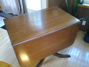 Antique Duncon Phyfe kitchen table