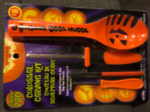 Colossal Carving Kit & Other