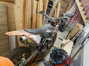 ktm 200 xcw forsale. 3500$ OBO