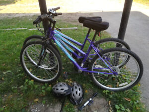 2 used bikes with helmets, pump and lock in Niagara Falls