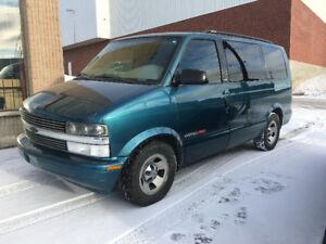 Chevrolet Astro AWD LS Minivan, Van