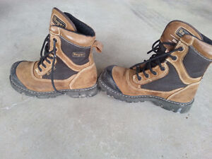 Safety steel toe boots