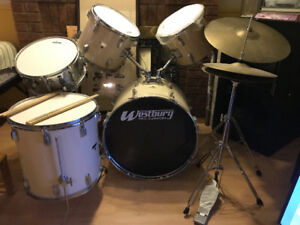 Excellent Condition 7 piece Westbury Pro-cussion Drum Set