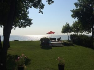 Lakefront Beach Cottage for Rent - Gimli