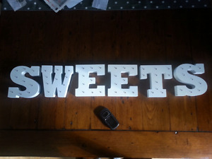 Marquee letter lights