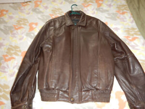 Men's Brown Danier Leather Jacket with Removable Lining Size XS