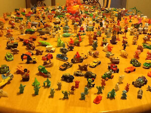 *WOW* 250 COMPLETE KINDER EGG TOYS AND GIANT BAG OF PARTS London Ontario image 3