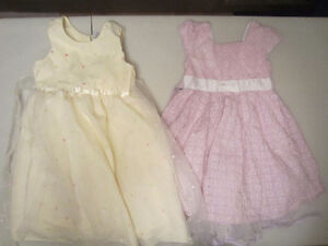 2 belles robes taille 5 fille
