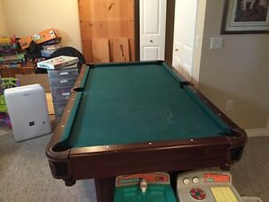 4x8 pool table with balls and cues