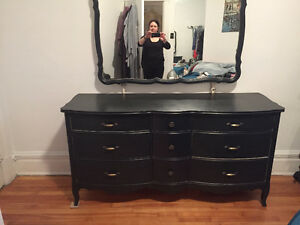 Huge vintage Make up table!