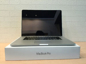 Macbook 15in Retina with box and accessories
