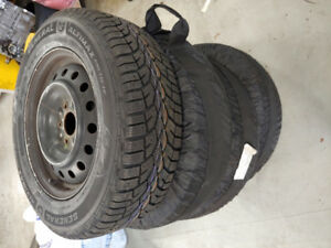 AWESOME DEAL: 215/65R16 102T GENERAL ALTIMAX ARCTIC ON USED RIMS